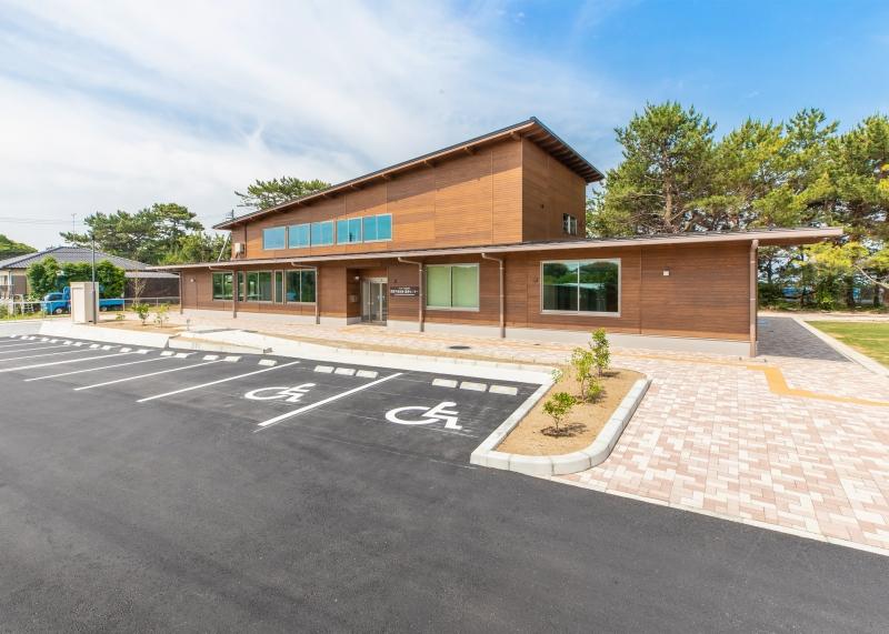 水鳥・湿地センター外観画像
